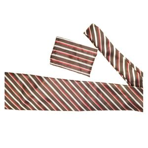 Neck tie with pocket square